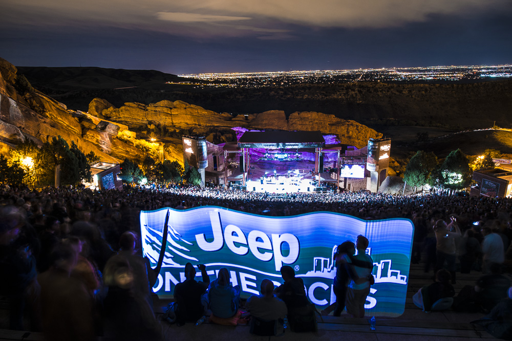 Crowd_at_Jeep_on_the_Rocksoso6kl0hc5v9mfvlr91m7u5no4