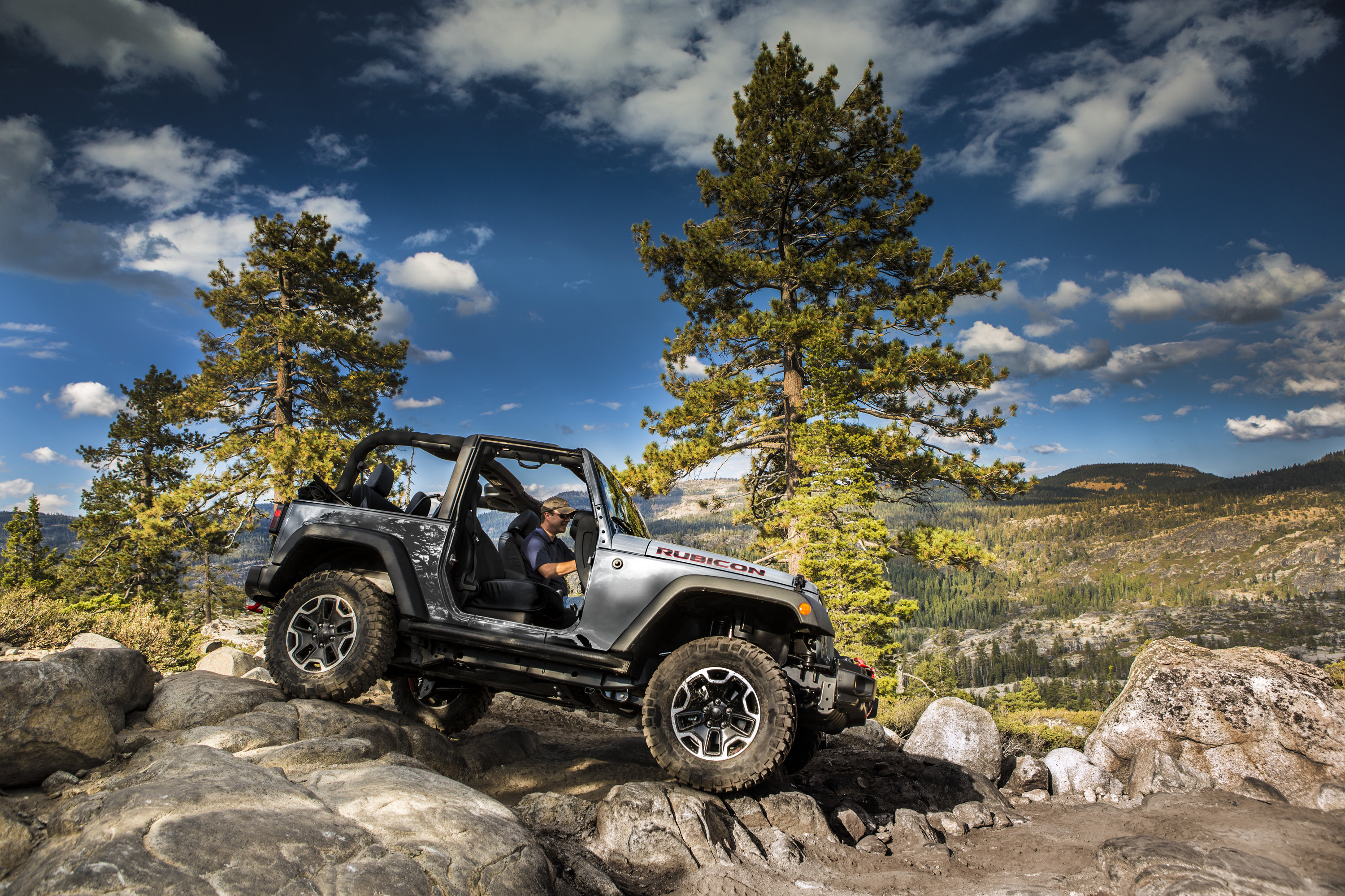 2015 Jeep Wrangler Dodge Challenger And Ram Promaster Win Edmunds