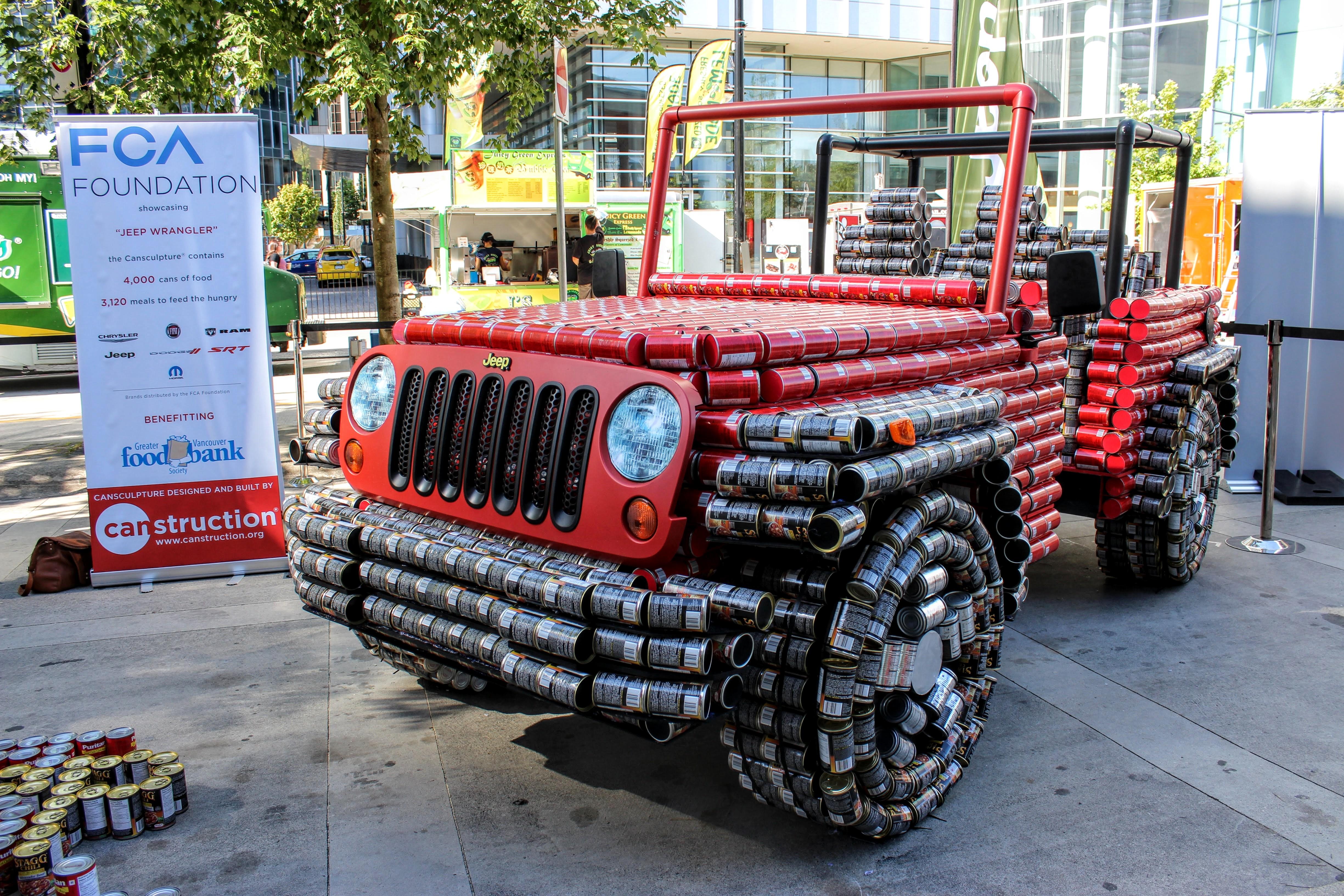 Jeep_Canstruction4hhg0pdih4bi54pesa5hulrg6kg