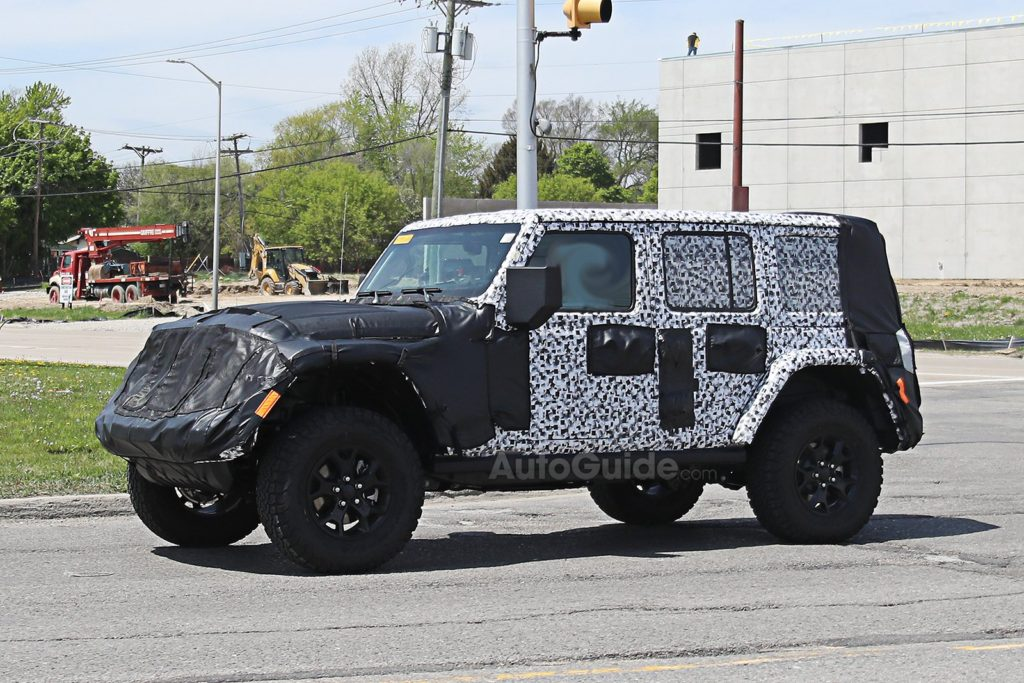 2018-Jeep-Wrangler-Interior-Spied-4