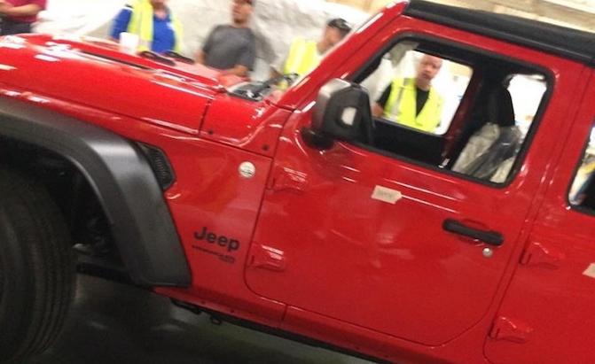 Jeep-Wrangler-JL-Leak
